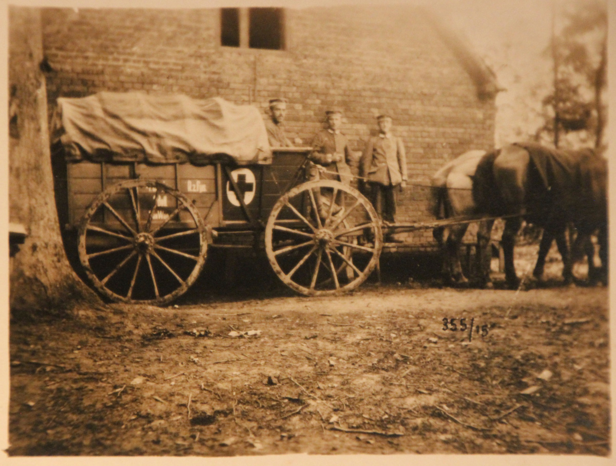 Ein alter Krankenwagen