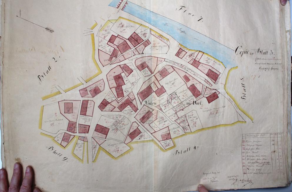 24 I unten im Dorf 1706